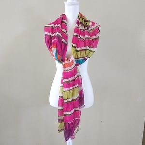 Jessica Simpson scarf